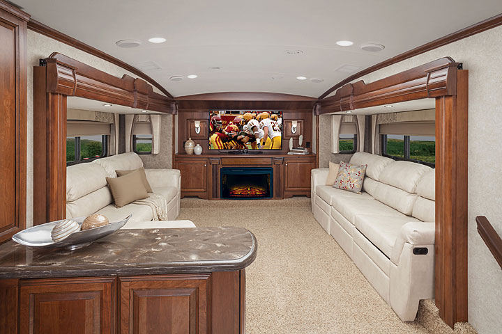 Cardinal Fifth Wheel By Forest River